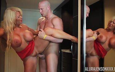 Christian fucks hot mommy Alura Jenson