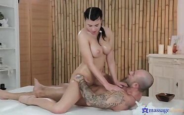 Rubbing the Tip be beneficial to His Cock with Say no to Oiled-Up Tits
