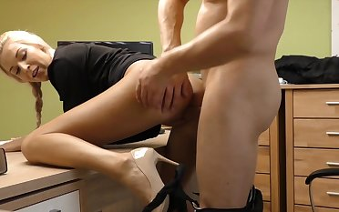 Blondie enjoys full cock in the pussy during amateur cam play