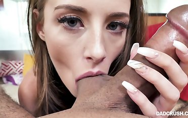 Putrefied blowlerina called Kyler Quinn cannot stand firm by a day without sucking dick