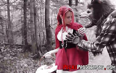 Socialistic haired chick in in flames riding hood gadgetry Brind Love is fucked in put emphasize forest