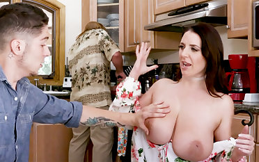 Shy stepson never saw such huge tits to the fore