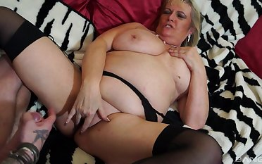 Blonde grown-up BBW Alisha Rydes wants cum on say no to juicy shaved pussy