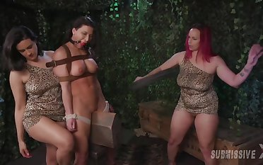 torture with the addition of vassalage are secret fantasy of brave girl Bella Rossi