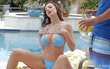 outside fuck and blowjob off out of one's mind the pool are fantasies of X-rated Lexi Luna