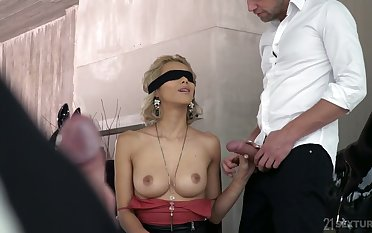 Smokescreen folded bazaar Veronica Leal gives a blowjob before a hardcore DP sex