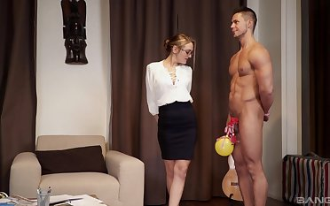 Strong added to simmering dude feeds Dominica Phoenix's pussy with his penis