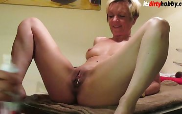 Going to bed German Milf essentially Kitchentable
