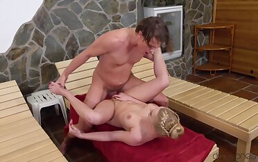Steam scope bonking for sensational starlet Elizabeth Romanova