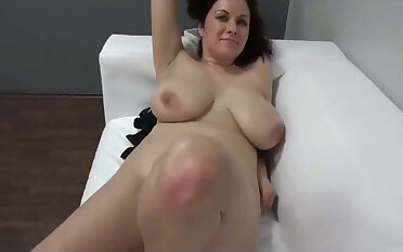 Casting be incumbent on sexy Czech MILF